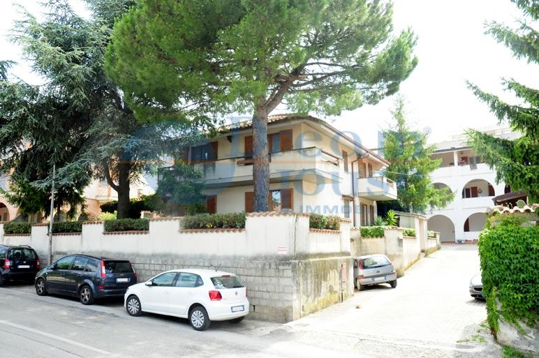 Soluzione Indipendente in vendita a Tortoreto, 6 locali, zona Località: TORTORETOALTO, prezzo € 330.000 | Cambio Casa.it