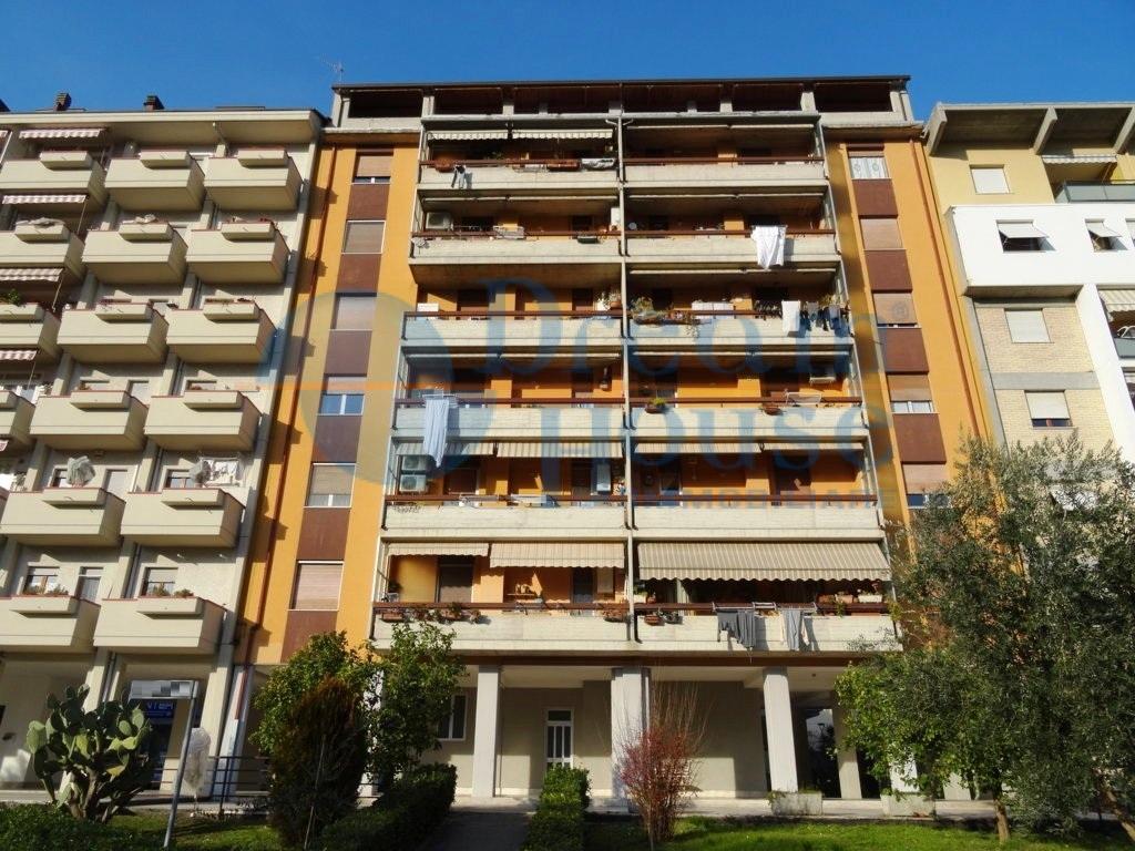 Appartamento in vendita a Ascoli Piceno, 5 locali, prezzo € 134.000   Cambio Casa.it