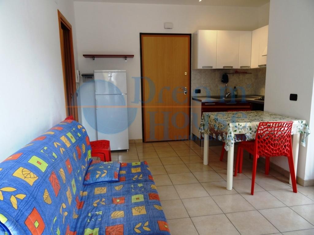 Bilocale Alba Adriatica Via Trento 6