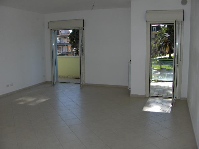 Appartamento vendita ALBA ADRIATICA (TE) - 4 LOCALI - 90 MQ