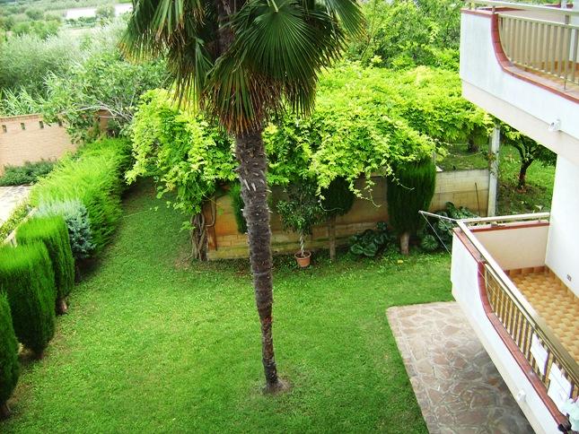 Appartamento vendita MARTINSICURO (TE) - 7 LOCALI - 260 MQ