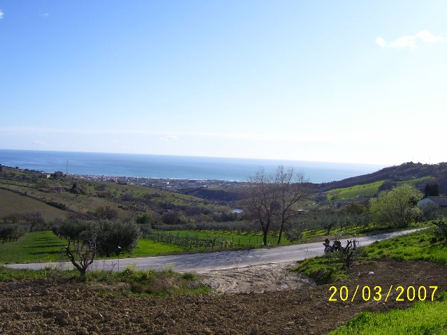 Terreno vendita COLONNELLA (TE) - 7 LOCALI - 2000 MQ