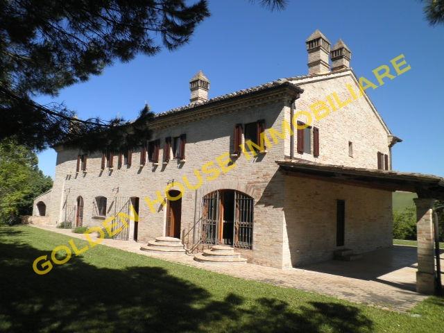 Villa vendita FERMO (AP) - 7 LOCALI - 600 MQ