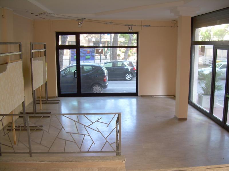 Negozio / Locale in vendita a Grottammare, 9999 locali, prezzo € 160.000 | CambioCasa.it