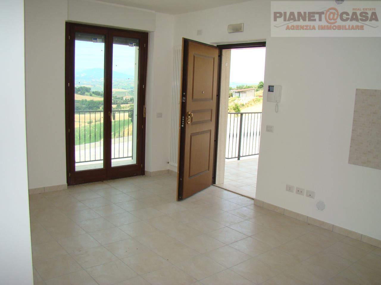 Appartamento in vendita a Acquaviva Picena, 2 locali, prezzo € 105.000   CambioCasa.it