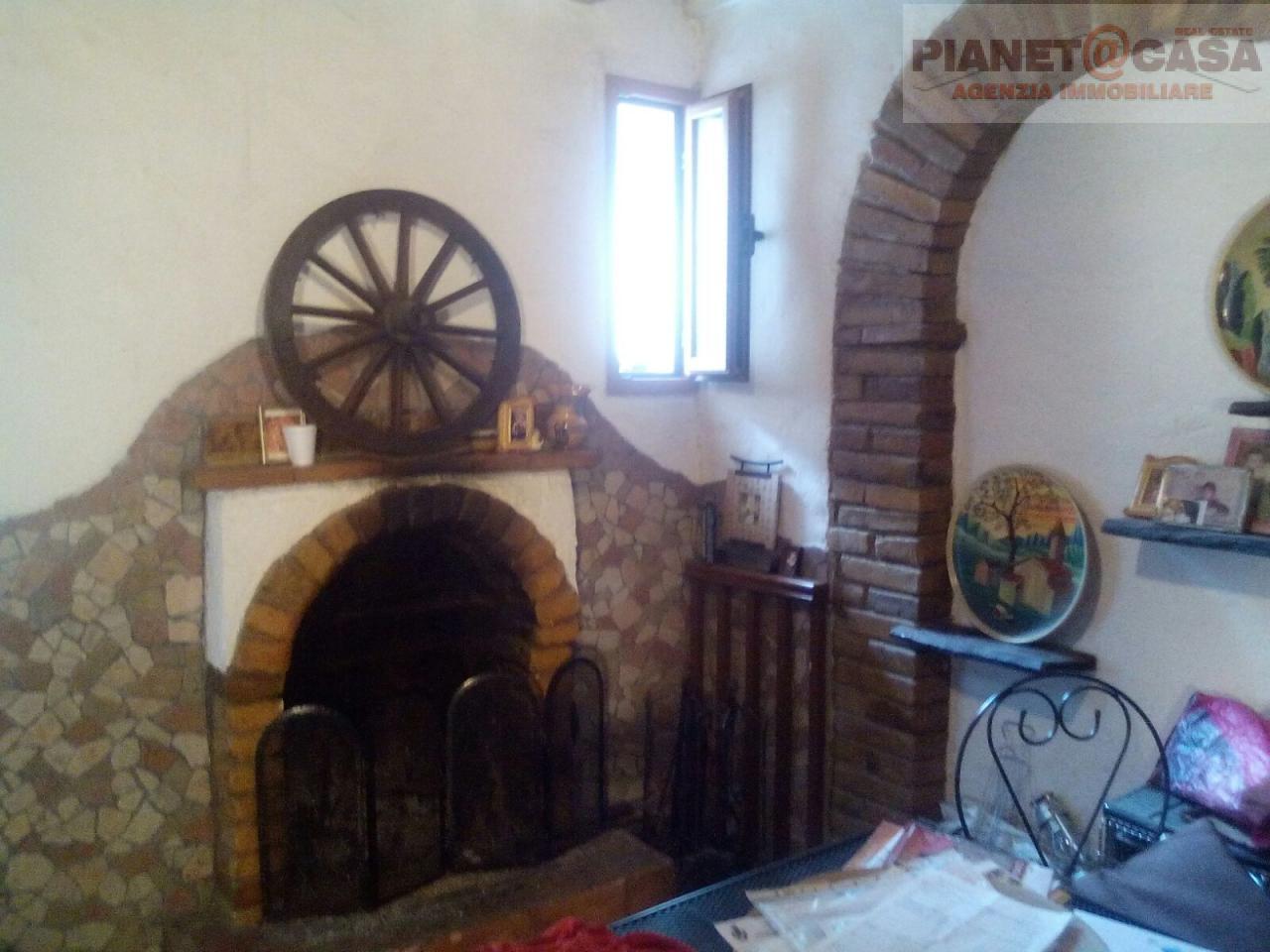 Soluzione Indipendente in vendita a Spinetoli, 3 locali, zona Località: PAGLIAREDELTRONTO, prezzo € 38.000 | Cambio Casa.it