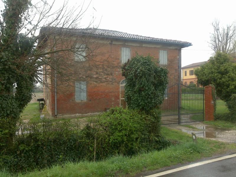 Soluzione Indipendente in vendita a San Giorgio di Piano, 5 locali, zona Zona: Cinquanta, prezzo € 150.000 | Cambio Casa.it