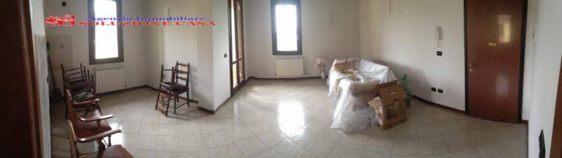Appartamento in vendita a Cento, 3 locali, zona Zona: Buonacompra, prezzo € 100.000 | Cambio Casa.it