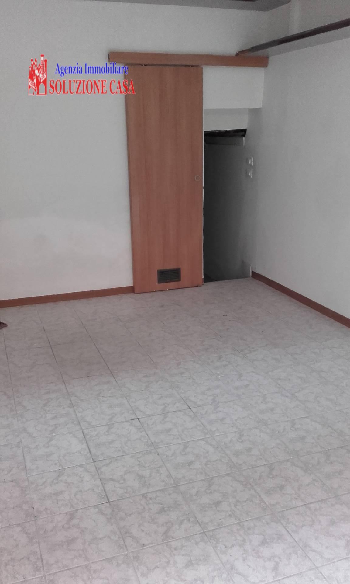 Negozio / Locale in affitto a Pieve di Cento, 1 locali, prezzo € 400 | Cambio Casa.it