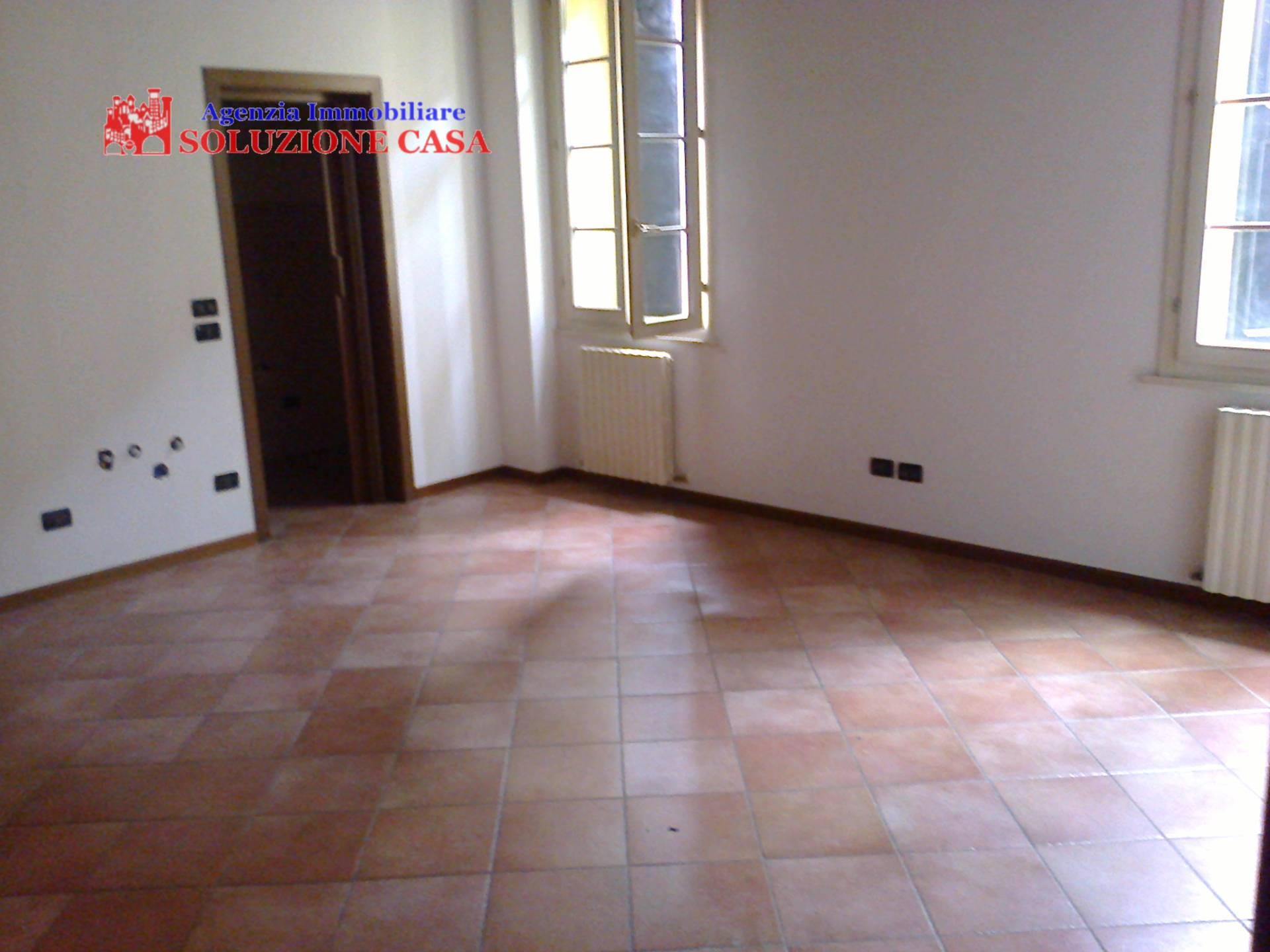 Appartamento in affitto a Cento, 3 locali, prezzo € 500 | Cambio Casa.it