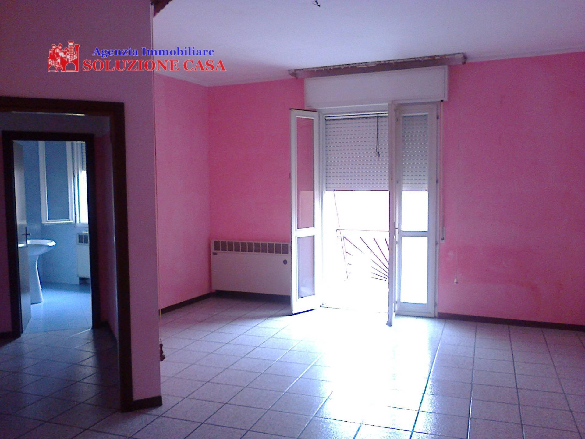 Appartamento in affitto a Sant'Agostino, 4 locali, zona Zona: Dosso, prezzo € 450 | Cambio Casa.it
