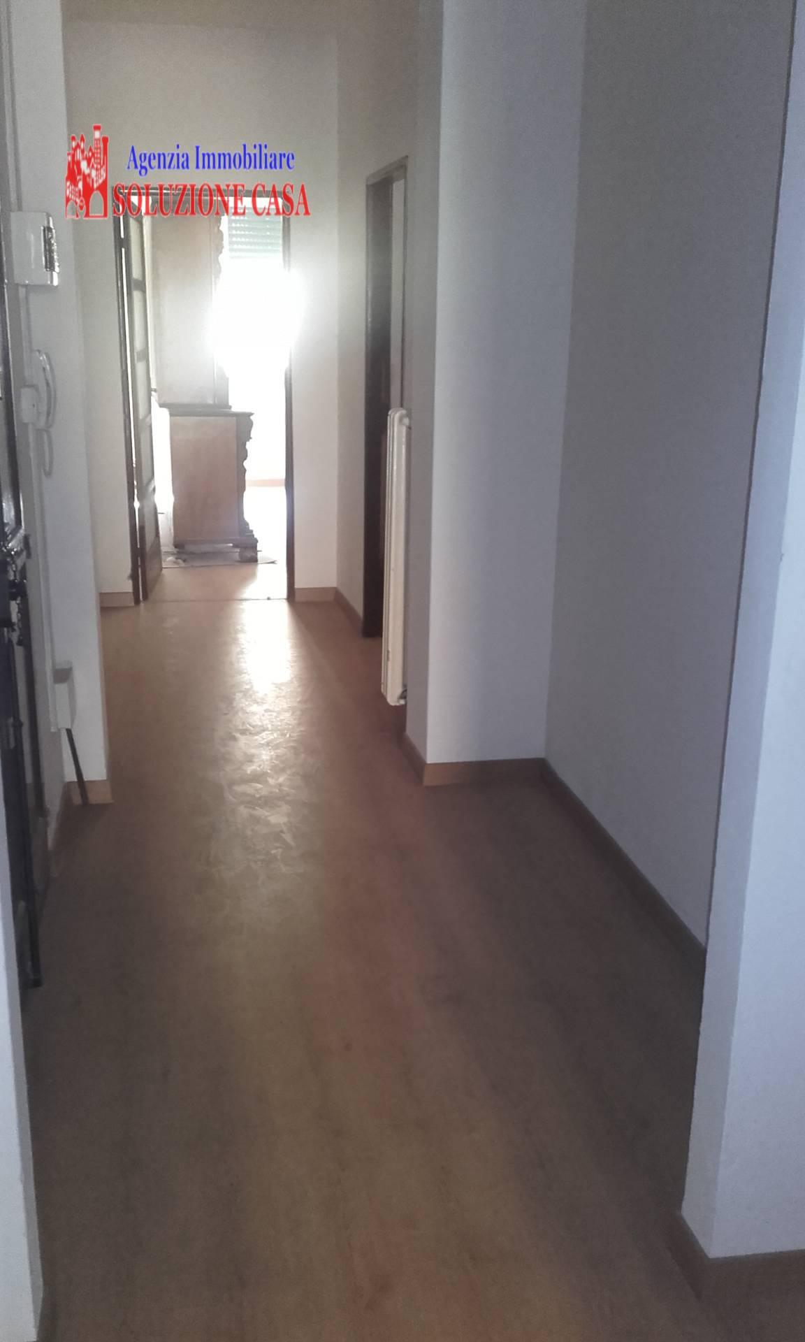 Appartamento in affitto a Cento, 3 locali, zona Località: CENTO, prezzo € 500 | Cambio Casa.it