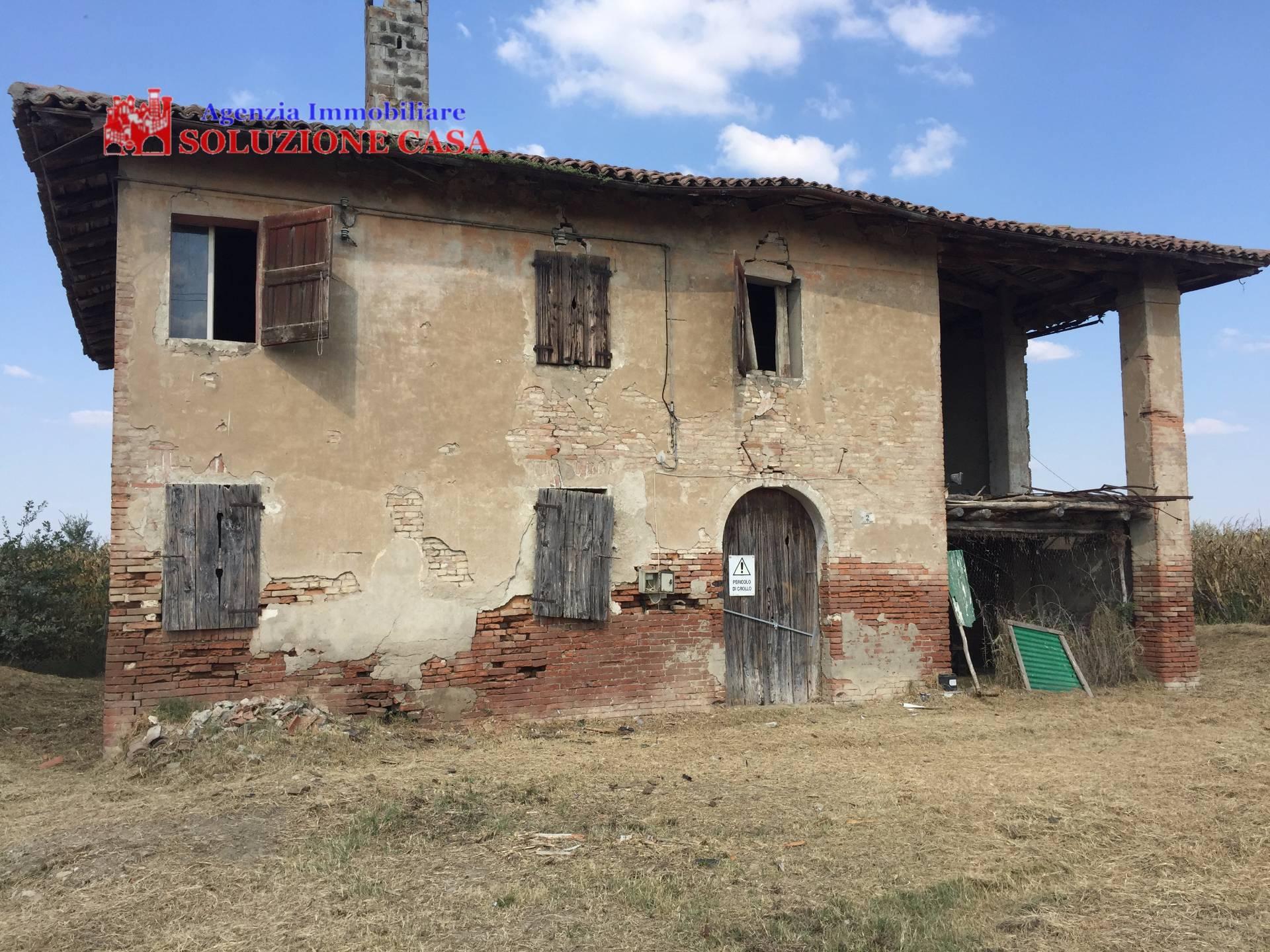 Soluzione Indipendente in vendita a Pieve di Cento, 8 locali, prezzo € 120.000 | Cambio Casa.it