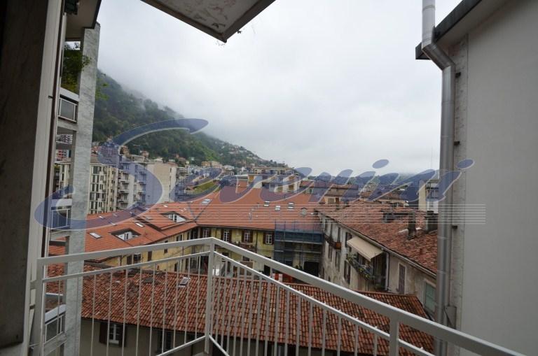Bilocale Como Via Manzoni 3
