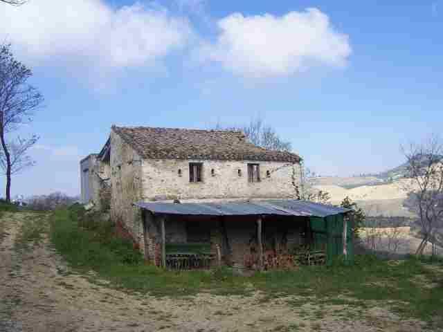Rustico / Casale in vendita a Acquaviva Picena, 6 locali, prezzo € 90.000 | Cambio Casa.it