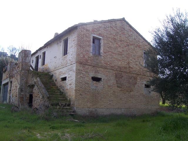 Rustico / Casale in vendita a Ripatransone, 6 locali, prezzo € 120.000 | Cambio Casa.it