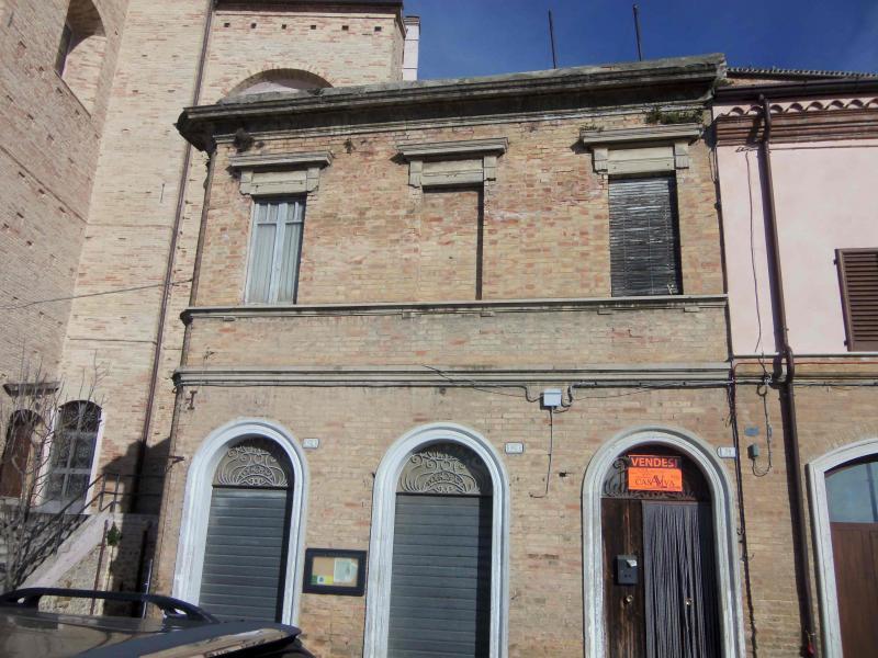 Soluzione Indipendente in vendita a Acquaviva Picena, 9 locali, zona Località: Centrale, prezzo € 220.000 | Cambio Casa.it