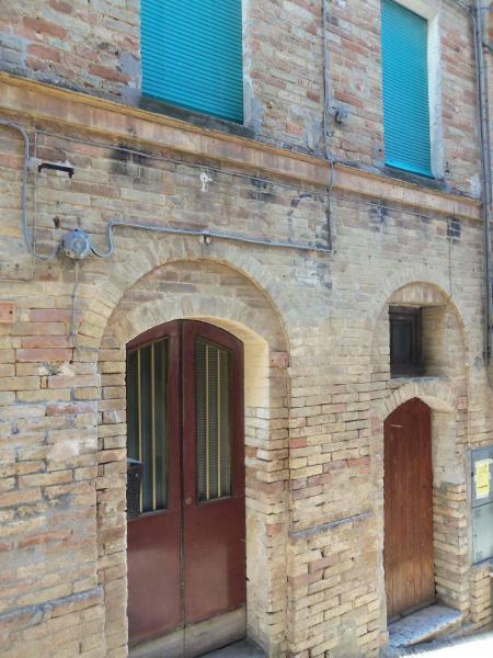 Soluzione Indipendente in vendita a Acquaviva Picena, 7 locali, zona Località: Centrostorico, prezzo € 170.000 | Cambio Casa.it