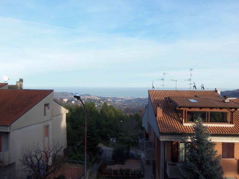 Bilocale Acquaviva Picena Via Cavour 5