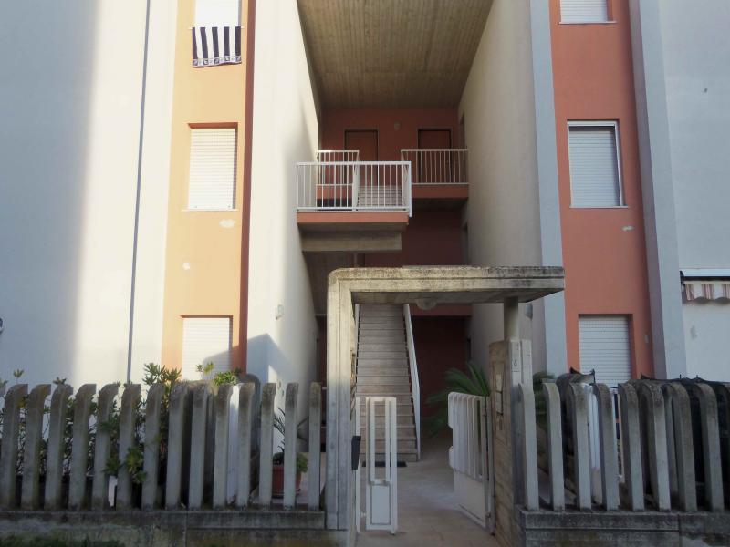 Bilocale Acquaviva Picena Via Cavour 1