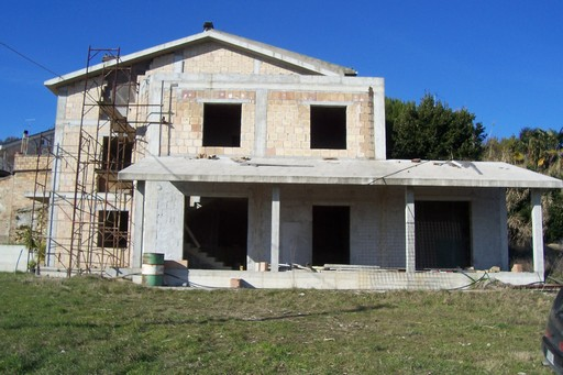 Villa in vendita a Acquaviva Picena, 8 locali, prezzo € 300.000 | Cambio Casa.it