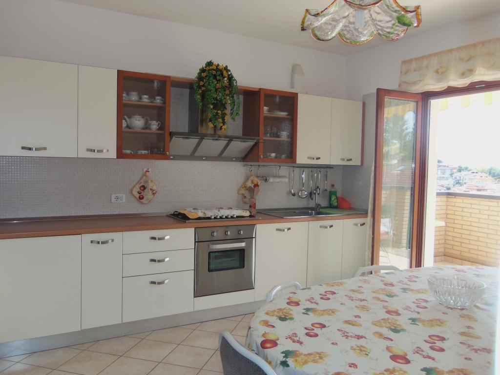 Appartamento in vendita a Acquaviva Picena, 4 locali, zona Località: Centrale, prezzo € 145.000 | Cambio Casa.it