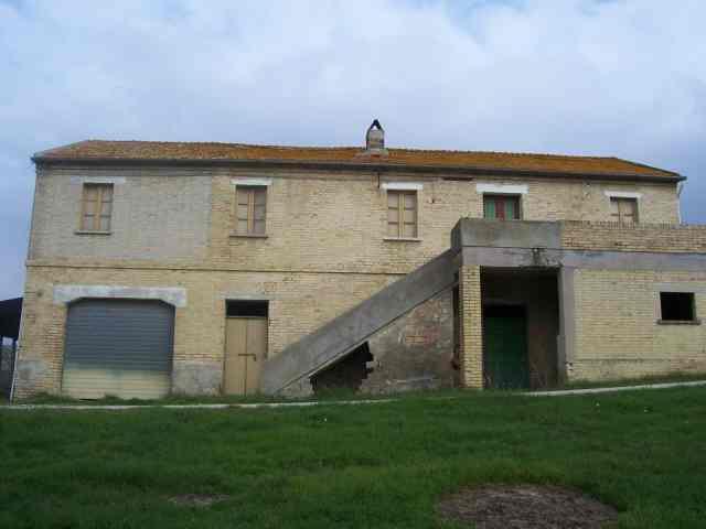 Rustico / Casale in vendita a Acquaviva Picena, 3 locali, zona Località: Panoramica, prezzo € 400.000 | Cambio Casa.it