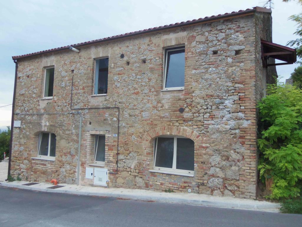 Soluzione Indipendente in vendita a Acquaviva Picena, 4 locali, zona Località: Centrale, prezzo € 99.000 | Cambio Casa.it