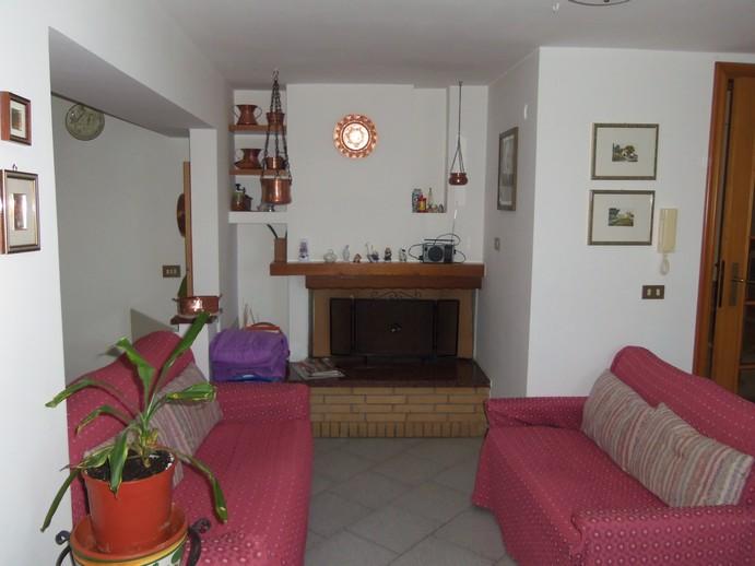 Soluzione Indipendente in vendita a Acquaviva Picena, 6 locali, zona Località: Centrostorico, prezzo € 250.000 | Cambio Casa.it