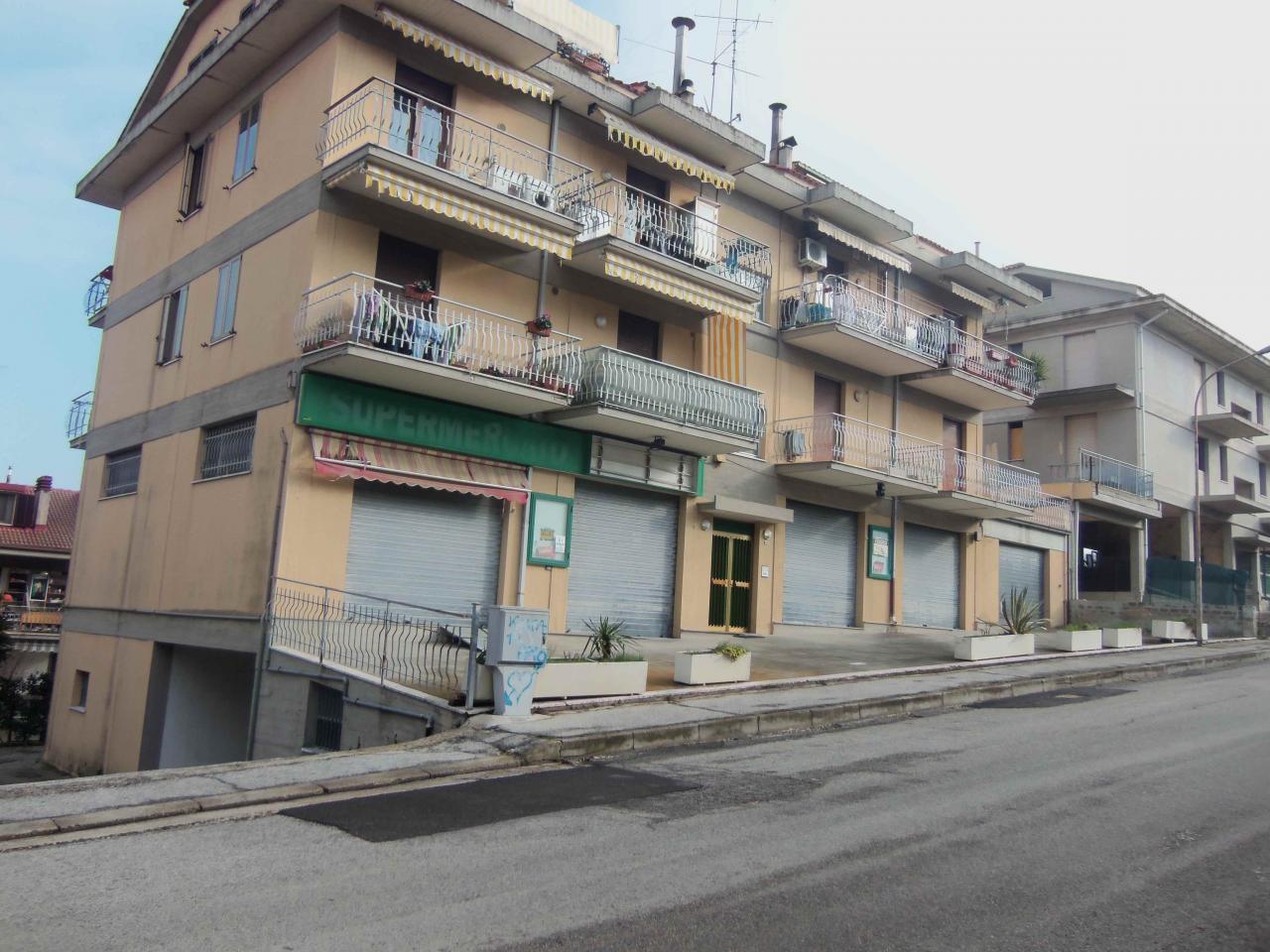 Negozio / Locale in vendita a Acquaviva Picena, 9999 locali, Trattative riservate | Cambio Casa.it