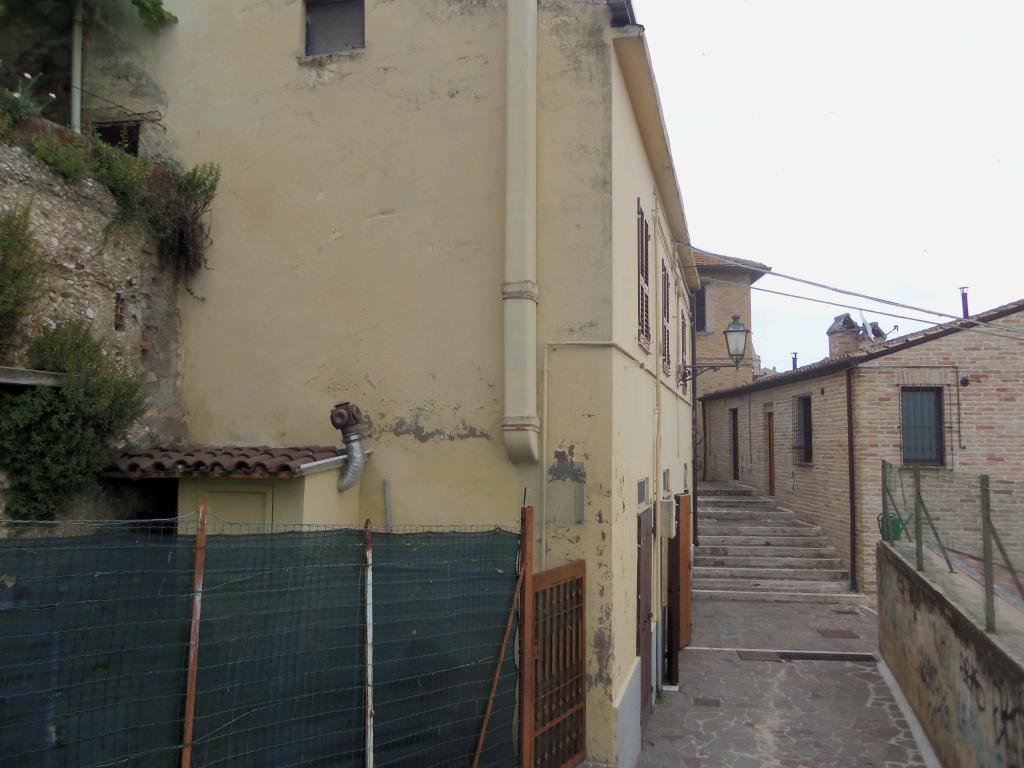 Soluzione Indipendente in vendita a Acquaviva Picena, 5 locali, zona Località: Centrostorico, prezzo € 150.000 | Cambio Casa.it