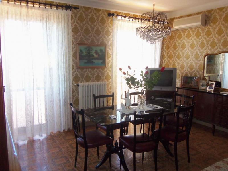 Soluzione Indipendente in vendita a Acquaviva Picena, 8 locali, zona Località: Centrostorico, prezzo € 180.000 | Cambio Casa.it