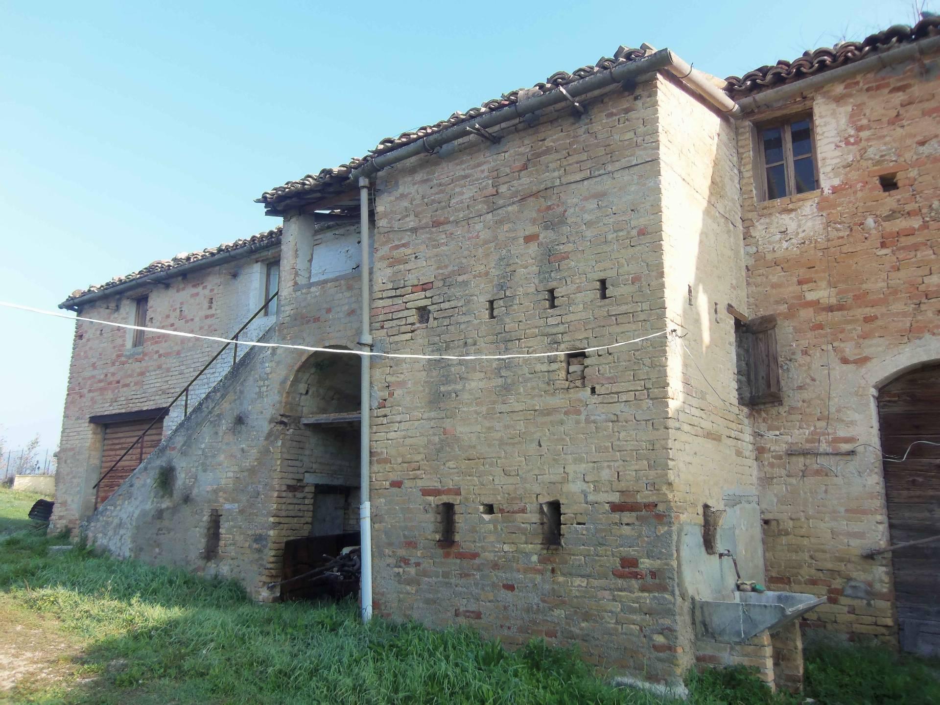 Rustico / Casale in Vendita a Monteprandone