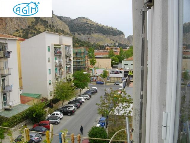 Bilocale Palermo Via Andrea Cirrincione 1
