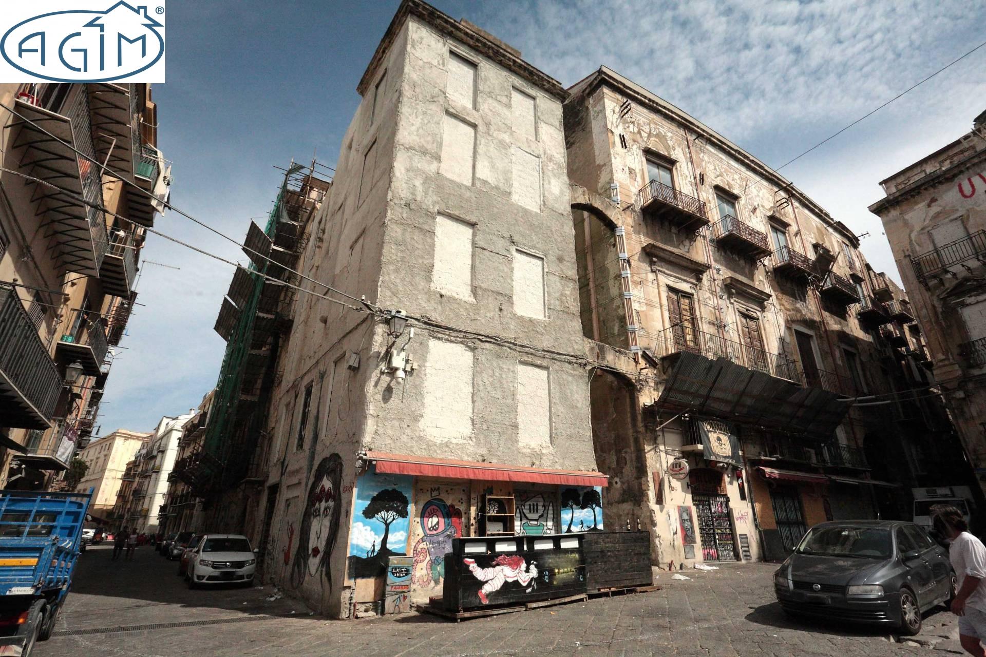 Palazzo / Stabile in vendita a Palermo, 20 locali, zona Località: CentroStorico, prezzo € 200.000 | CambioCasa.it