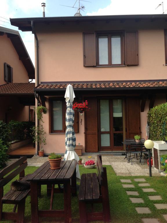 Villa a Schiera in vendita a Magreglio, 5 locali, prezzo € 230.000 | CambioCasa.it