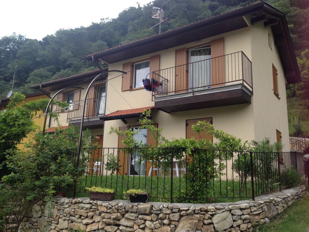 Villa in vendita a Canzo, 5 locali, prezzo € 500.000   CambioCasa.it