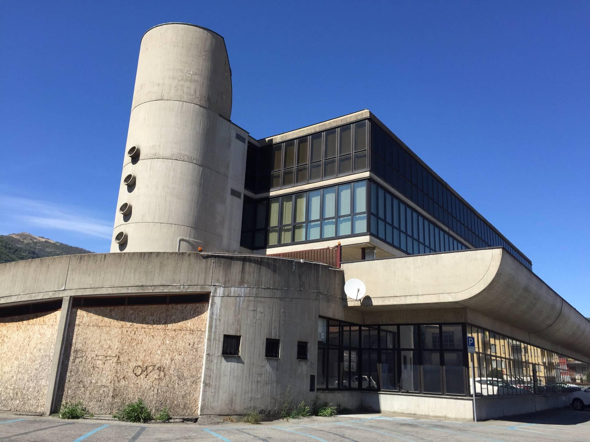 Ufficio / Studio in affitto a Erba, 9999 locali, prezzo € 100.000 | CambioCasa.it