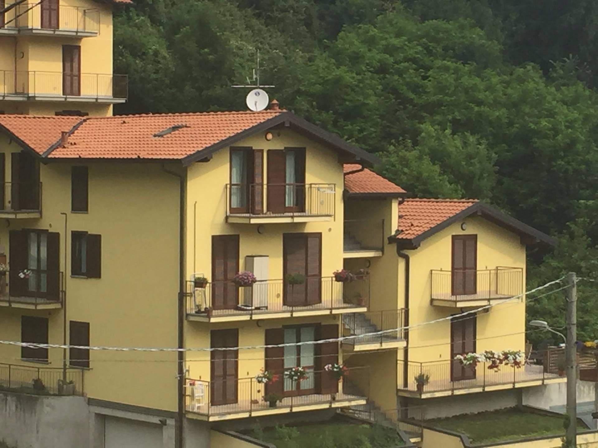 Appartamento in affitto a Asso, 2 locali, prezzo € 75.000 | CambioCasa.it