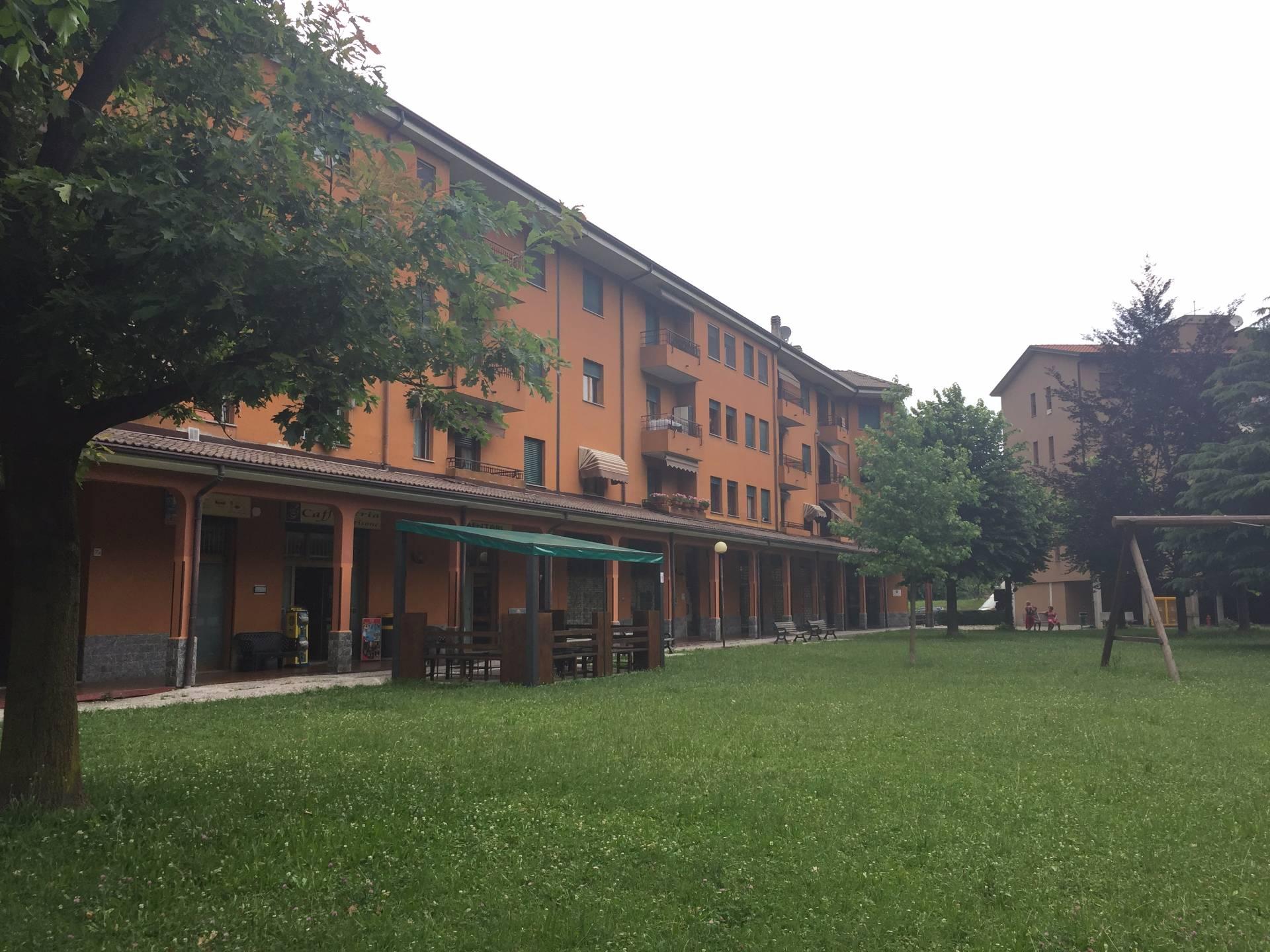Negozio / Locale in affitto a Canzo, 9999 locali, prezzo € 65.000 | CambioCasa.it