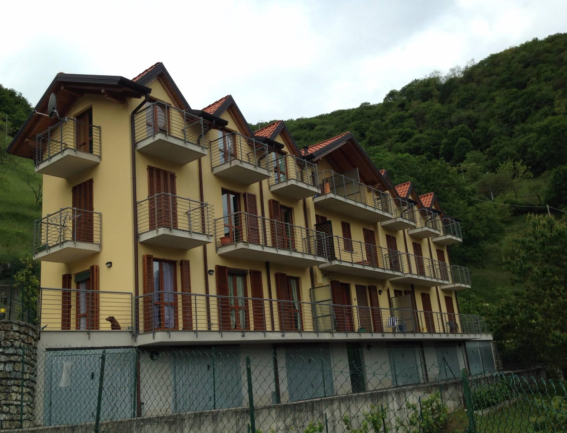 Appartamento in affitto a Asso, 3 locali, prezzo € 109.000 | CambioCasa.it