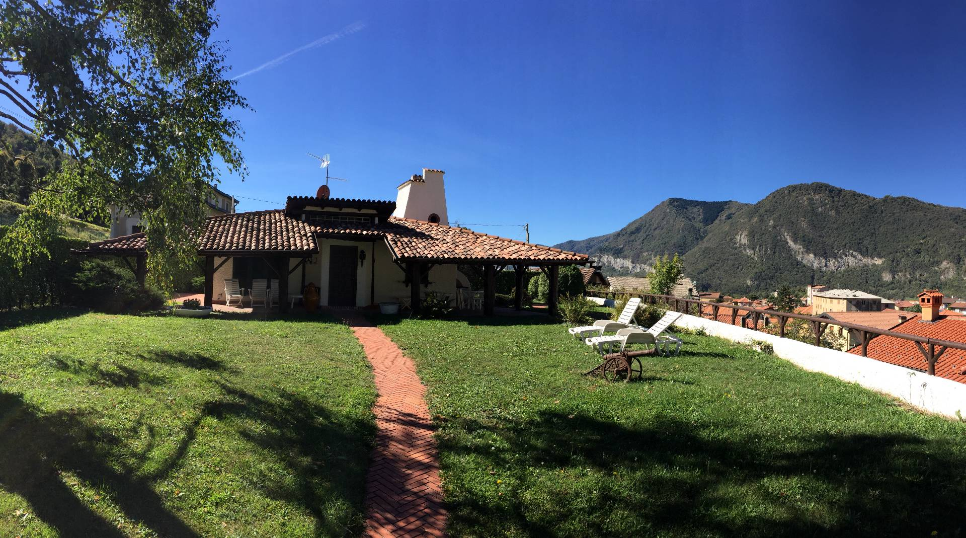 Villa in Vendita a Canzo