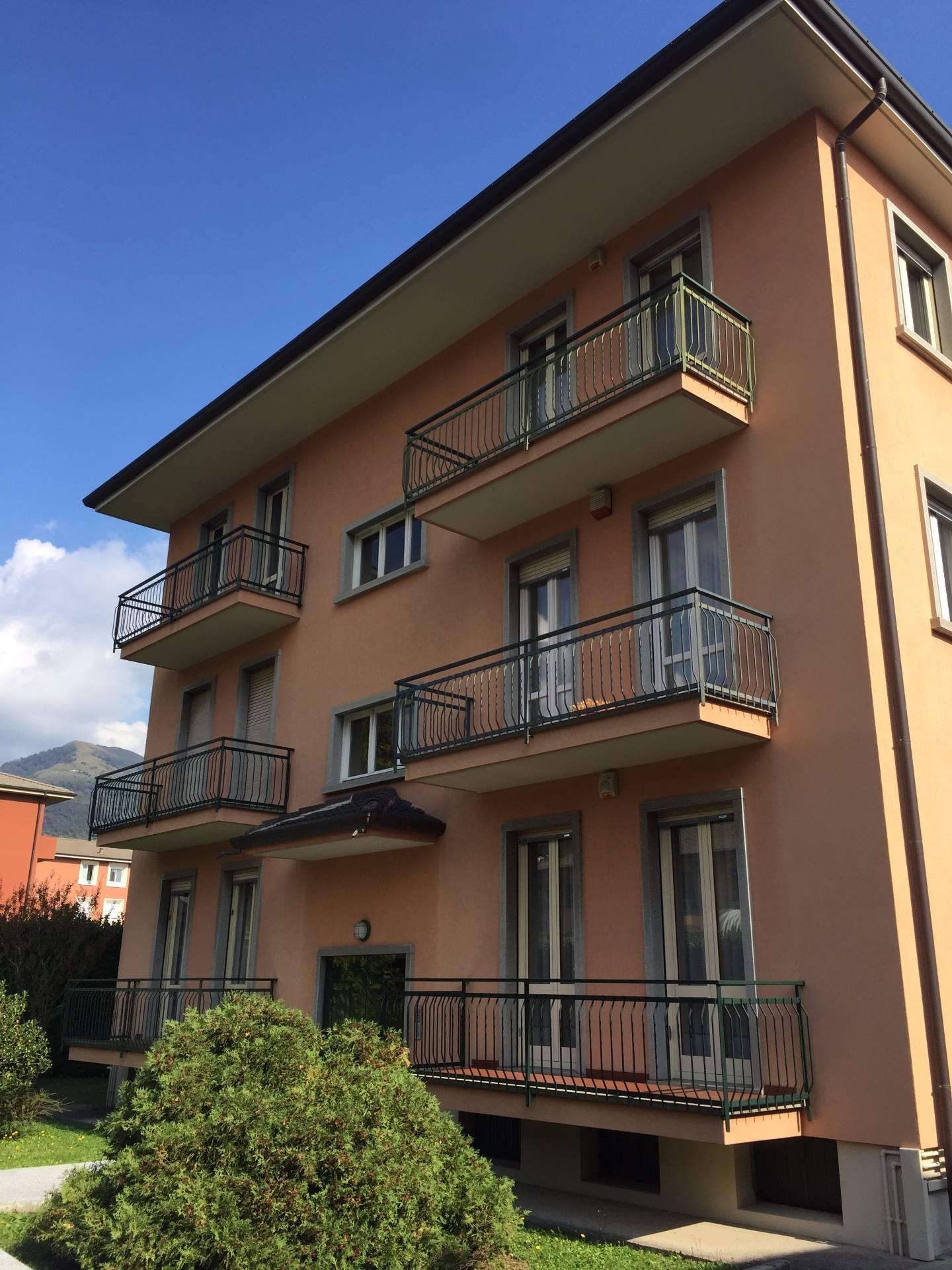 Appartamento in vendita a Longone al Segrino, 3 locali, prezzo € 120.000 | CambioCasa.it