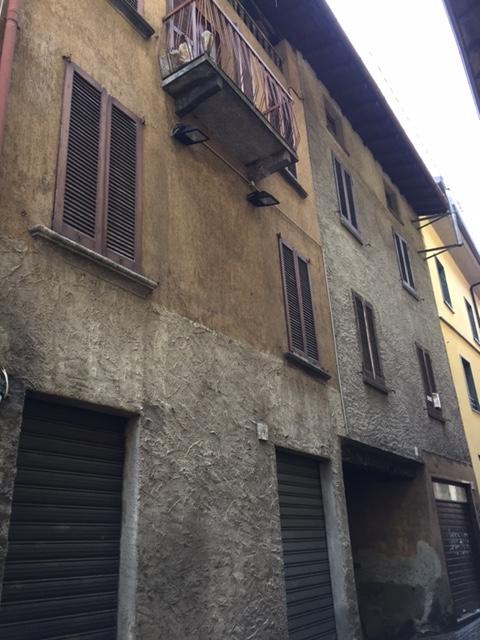 Negozio / Locale in vendita a Canzo, 9999 locali, prezzo € 60.000 | CambioCasa.it