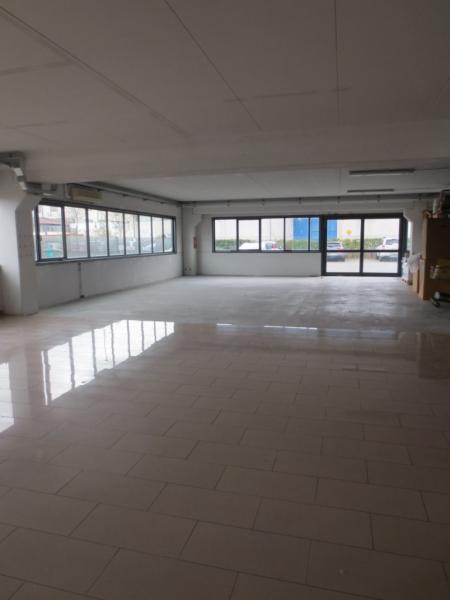 Negozio / Locale in affitto a Pisa, 9999 locali, zona Zona: Ospedaletto, prezzo € 2.500 | CambioCasa.it