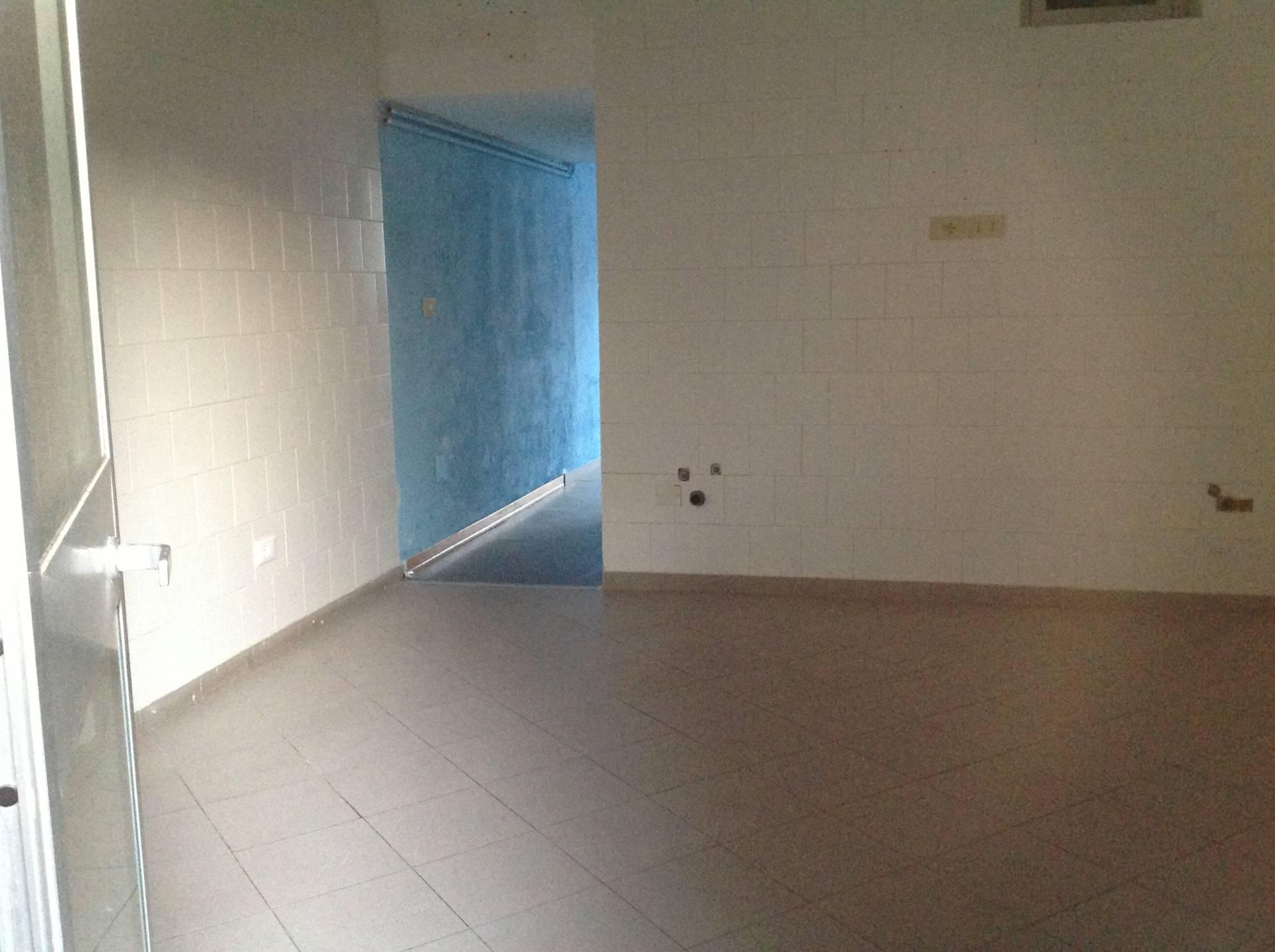 Negozio / Locale in affitto a Pisa, 9999 locali, zona Località: centrostorico, prezzo € 900 | Cambio Casa.it