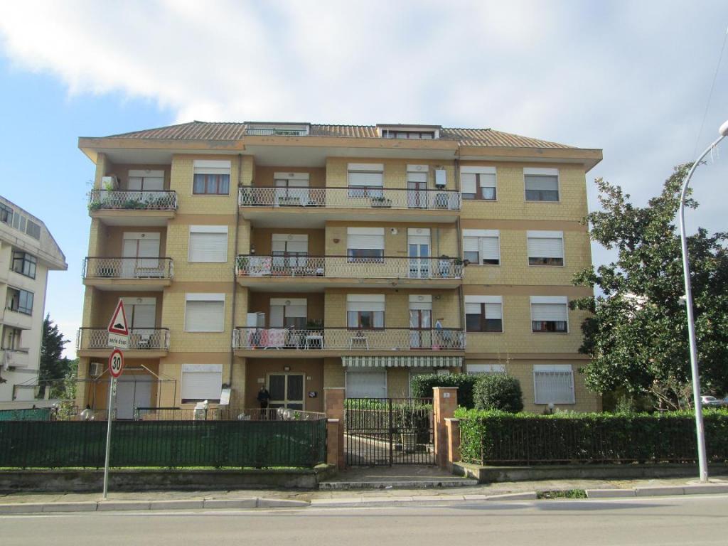 Box / Garage in vendita a Città Sant'Angelo, 1 locali, zona Zona: Marina, prezzo € 12.000 | CambioCasa.it