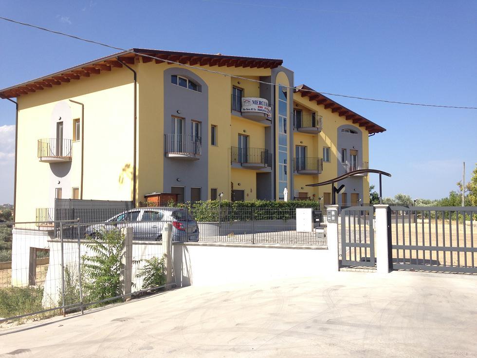 Appartamento in vendita a Cepagatti, 4 locali, prezzo € 110.000 | CambioCasa.it