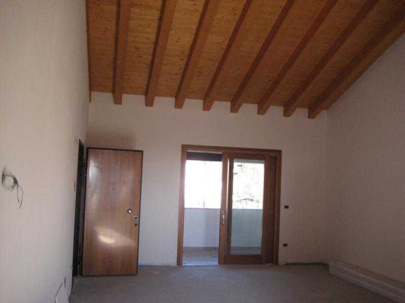 Appartamento in vendita a Caneva, 4 locali, zona Zona: Sarone, prezzo € 199.000 | Cambio Casa.it