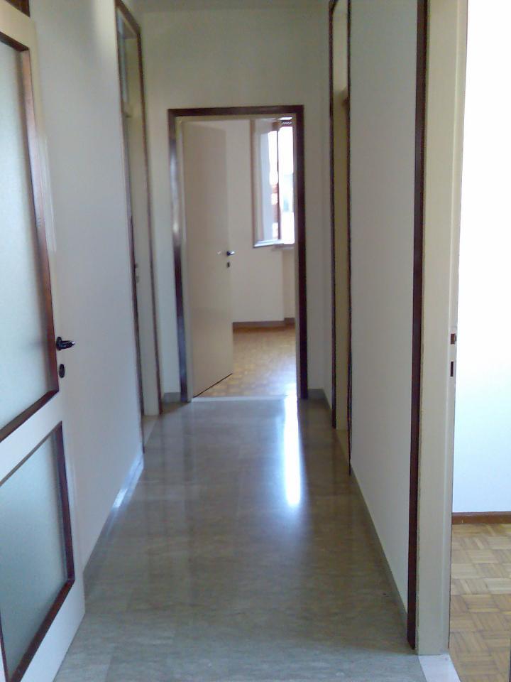 Appartamento in vendita a Sacile, 4 locali, zona Località: Centro, prezzo € 79.000   Cambio Casa.it